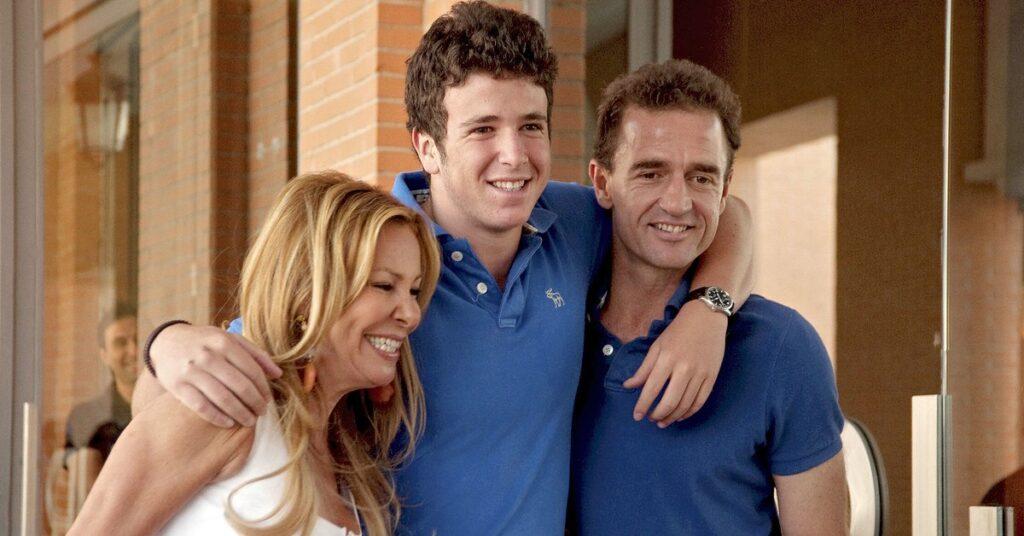Ana Obregón con su hijo