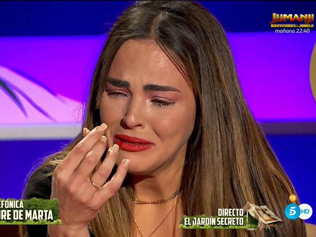 Marta llora por Abert