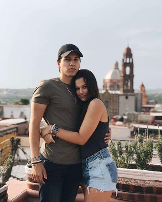 Manuela y su novio