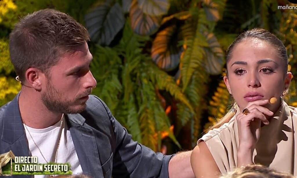 Sandra molesta con Tom