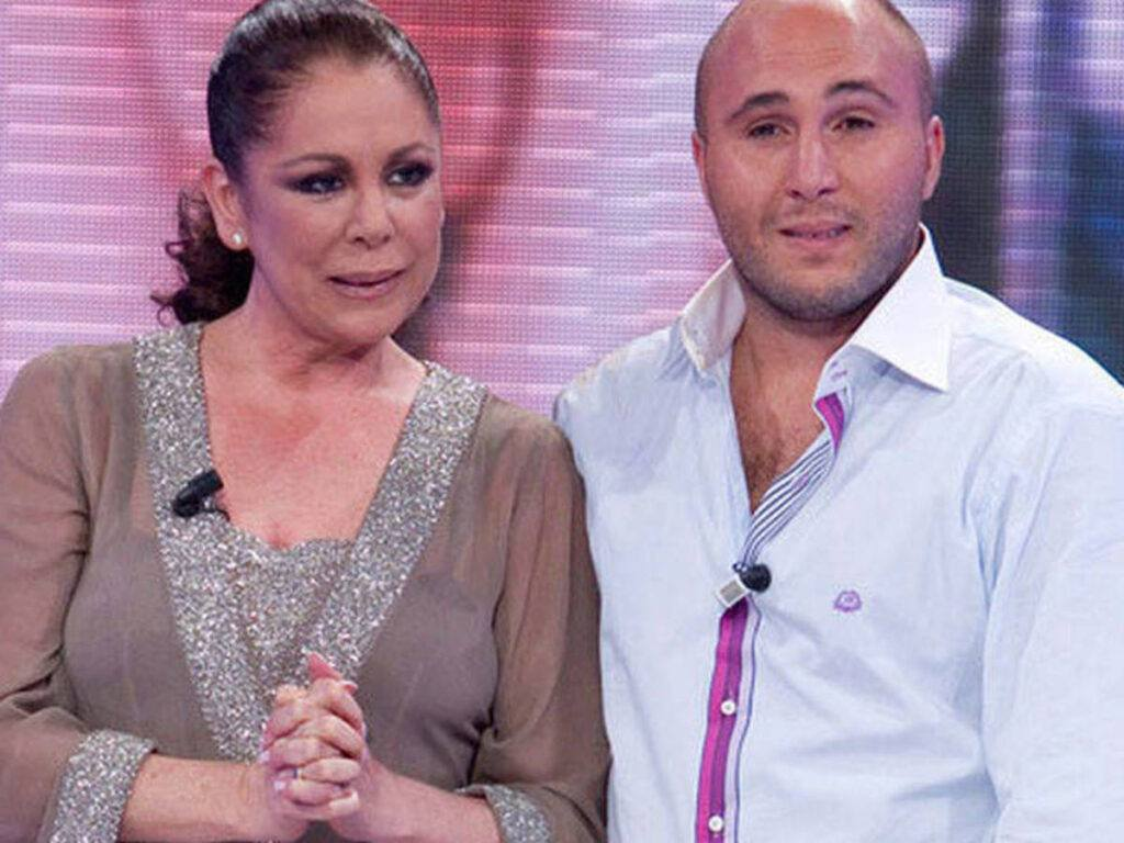 Isabel Pantoja y su hijo